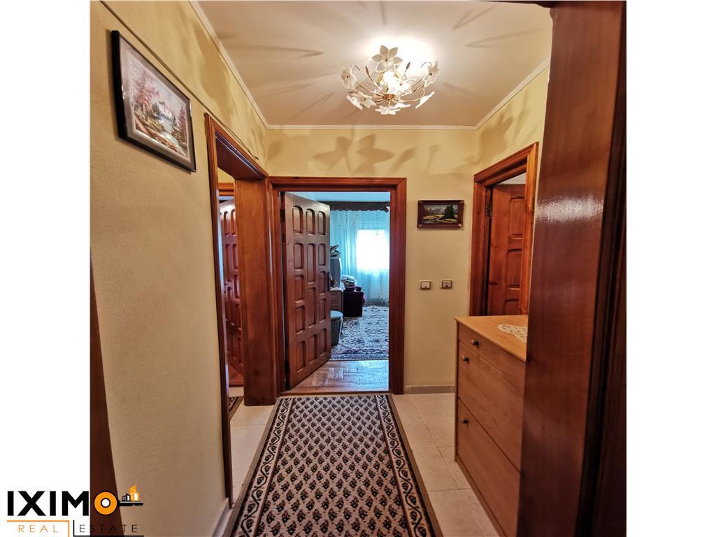 Etaj 2 Apartament 3 Decomandate & Garaj Comercial